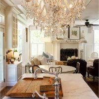Хрустальная люстра создает эксклюзивный свет в Вашем доме